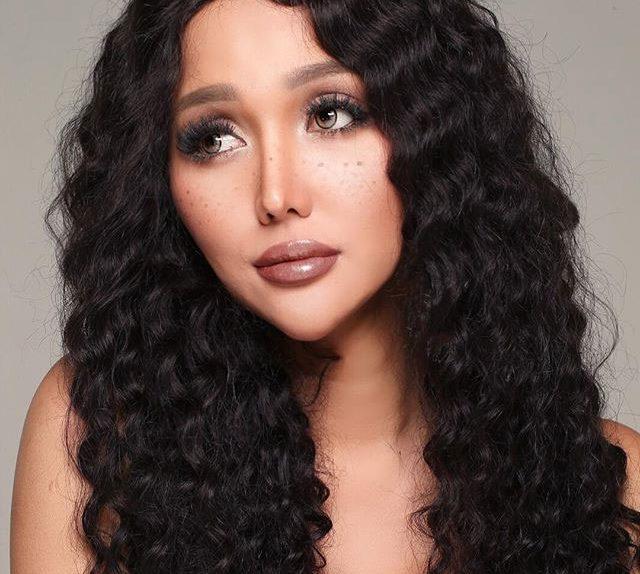 Rambut Keriting Dan Dagu Lancip Jadi Gaya Terbaru Lucinta Luna