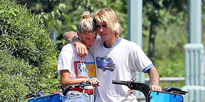Justin Bieber Kedapatan Kamera Menangis Bersama Hailey Saat Bersepeda