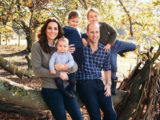 Pemotretan Tahunan Keluarga Kerajaan Inggris Tuk Kartu Ucapan Natal